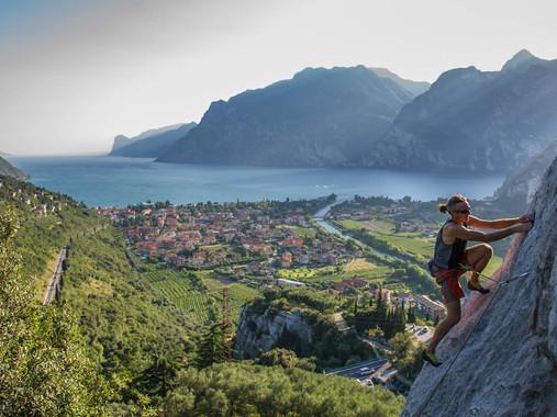 Climbing_gardalake_Giampaolo_Calzà.jpg