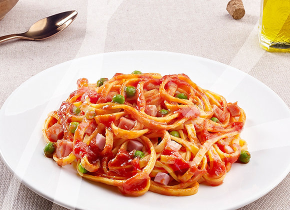 Fettuccine al pomodoro con prosciutto e piselli monoporzione - 6 pz.