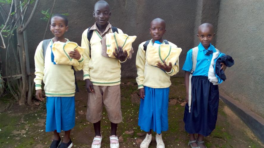 website students w uniforms IMG_20160419