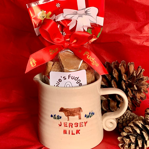 200g Vanilla fudge with Jersey milk jug