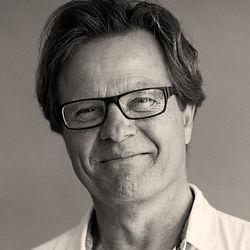 Henrik Bækgaard holder fængende foredrag om blandt andet Søren Kirkegaard, H C Andersen, Nietzsche m.fl.