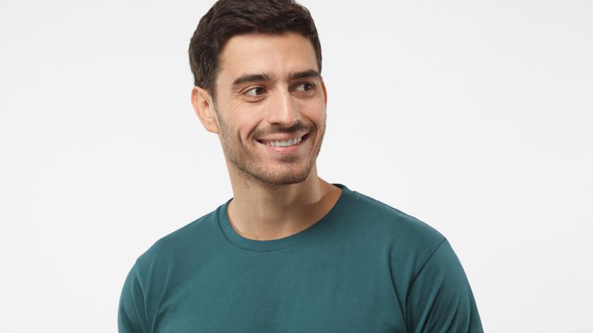 Retrato de hombre sonriente