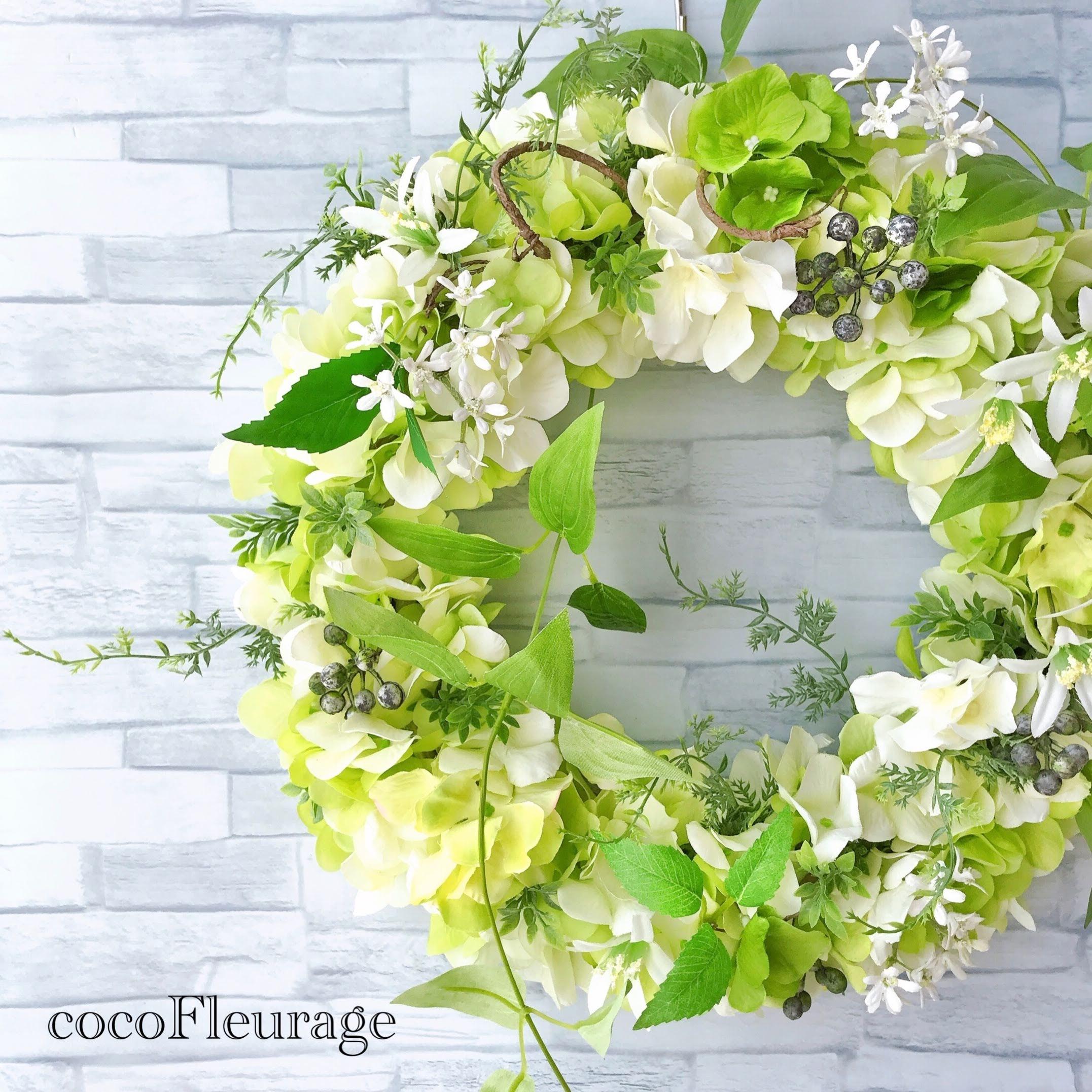 フレッシュグリーンの紫陽花リース