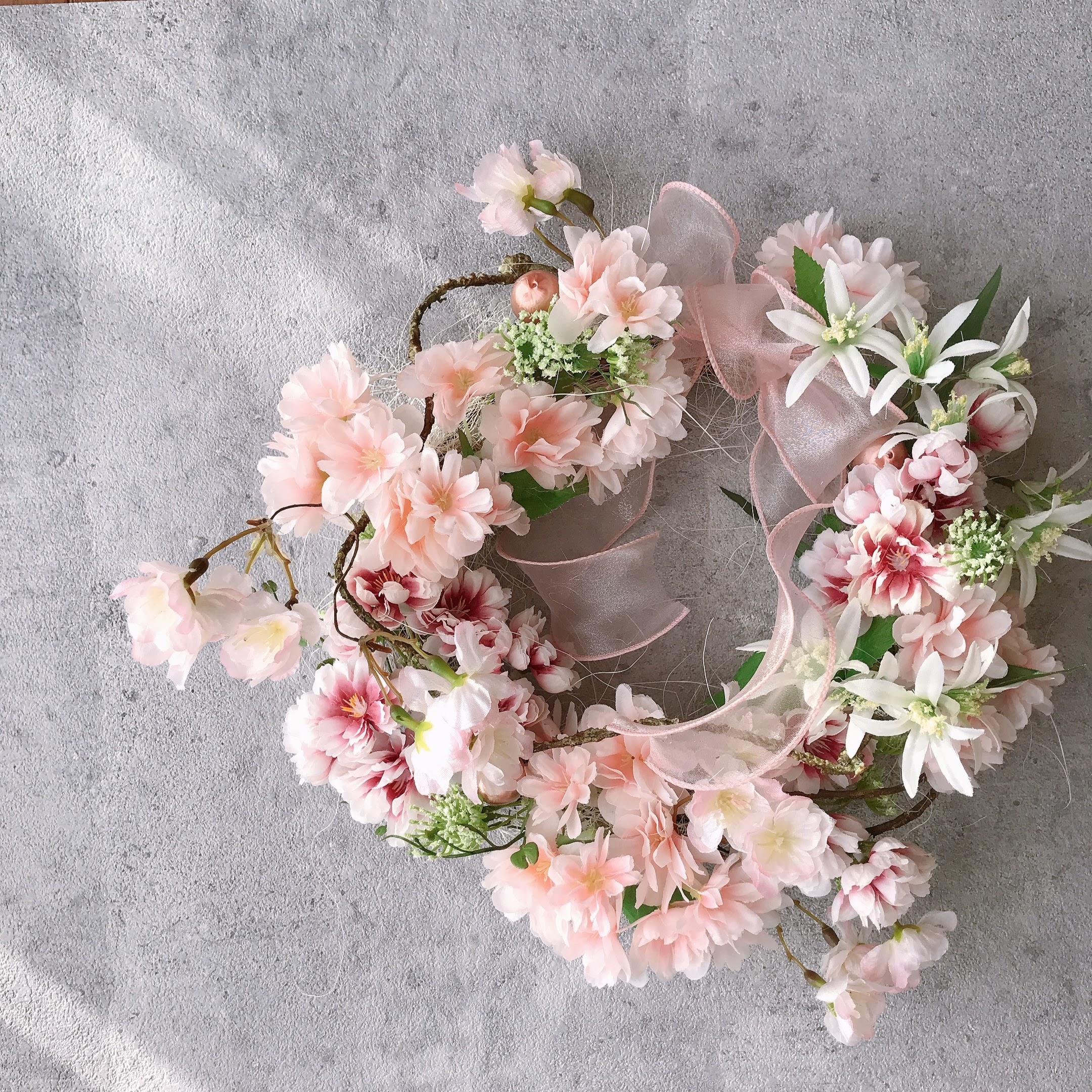 桜並木の壁掛けリース