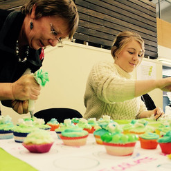 Decorating cupcakes at launch