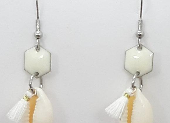 Boucles d'Oreilles-Coquillage Cauri Naturel Pompon Blanc