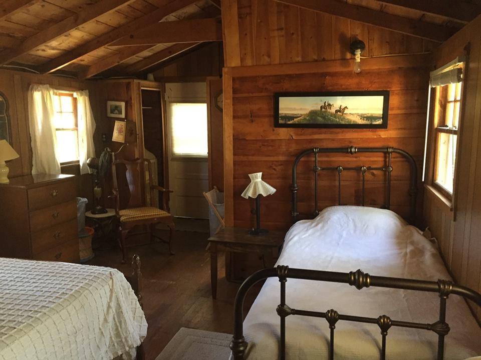 Cabin 8 Bedroom