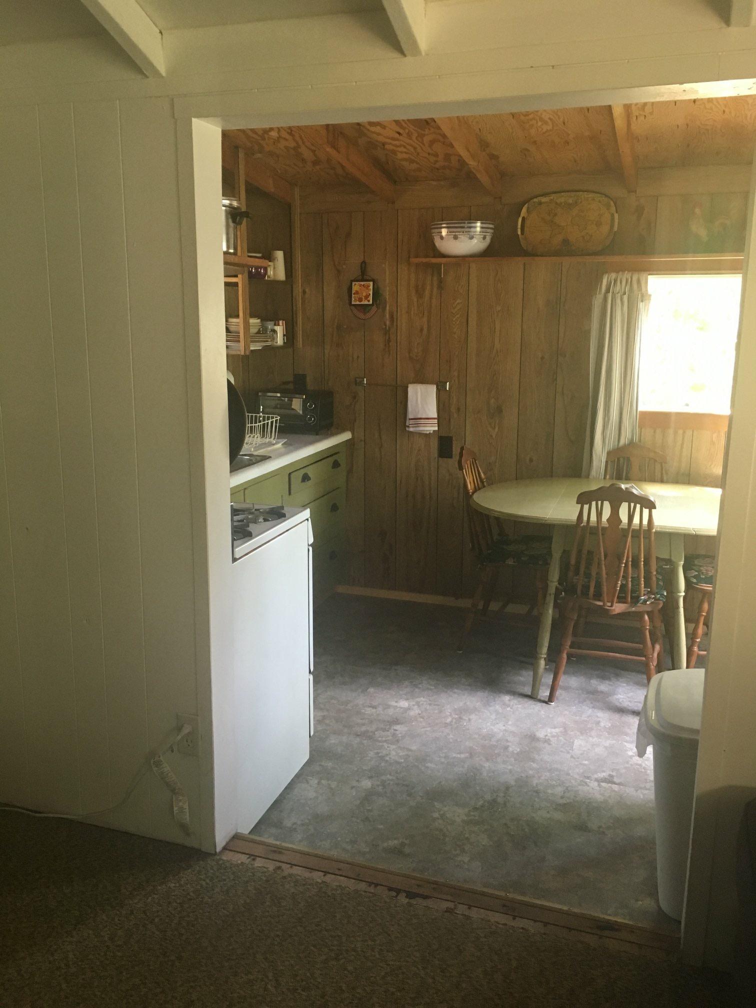 Cabin 8 Kitchen Entry