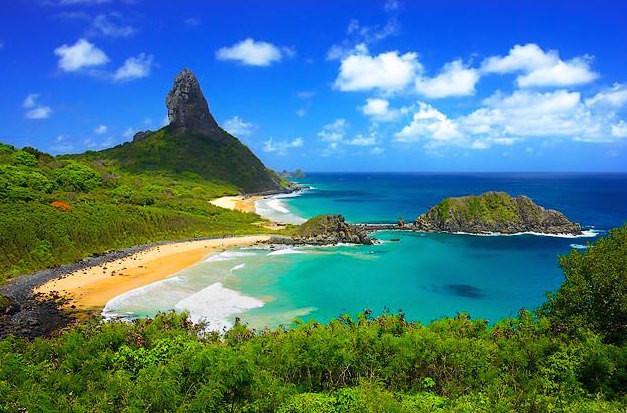 Brezilya'nın kuzeyinde bulunan Fernando de Noronha adası