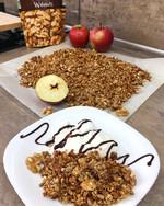 Jablečná granola se skořicí a ořechy