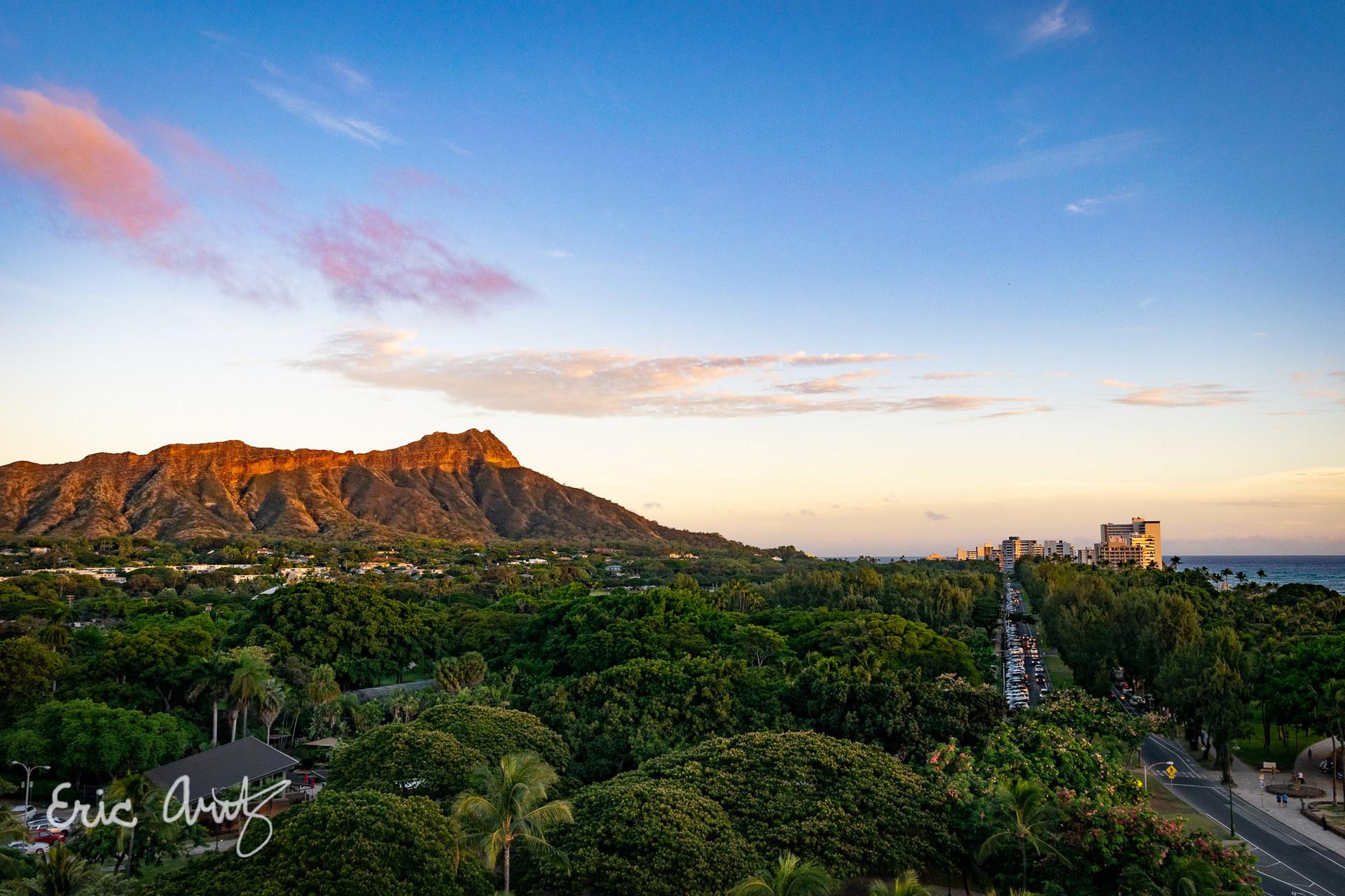 Last Light, Oahu