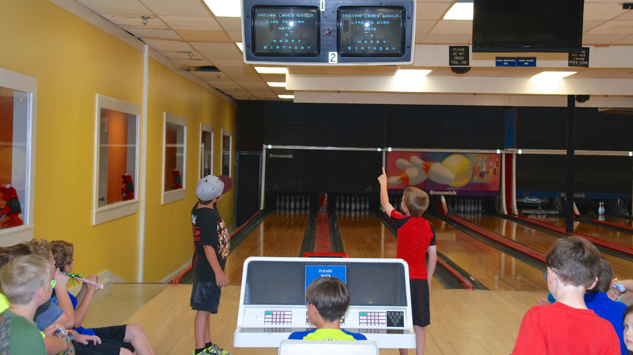 boys bowling at indian lanes