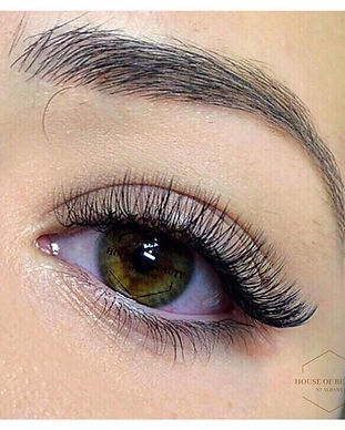 Hybrid lash extensions are a mixture of