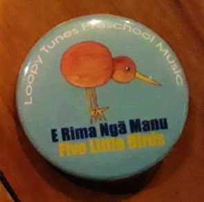 Kiwi Button Badge