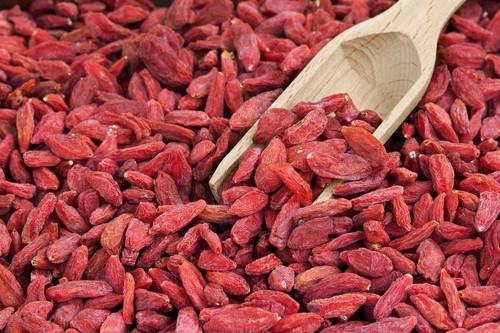 """Goji Berry: conheça os benefícios desta fruta """"esquisita""""!"""