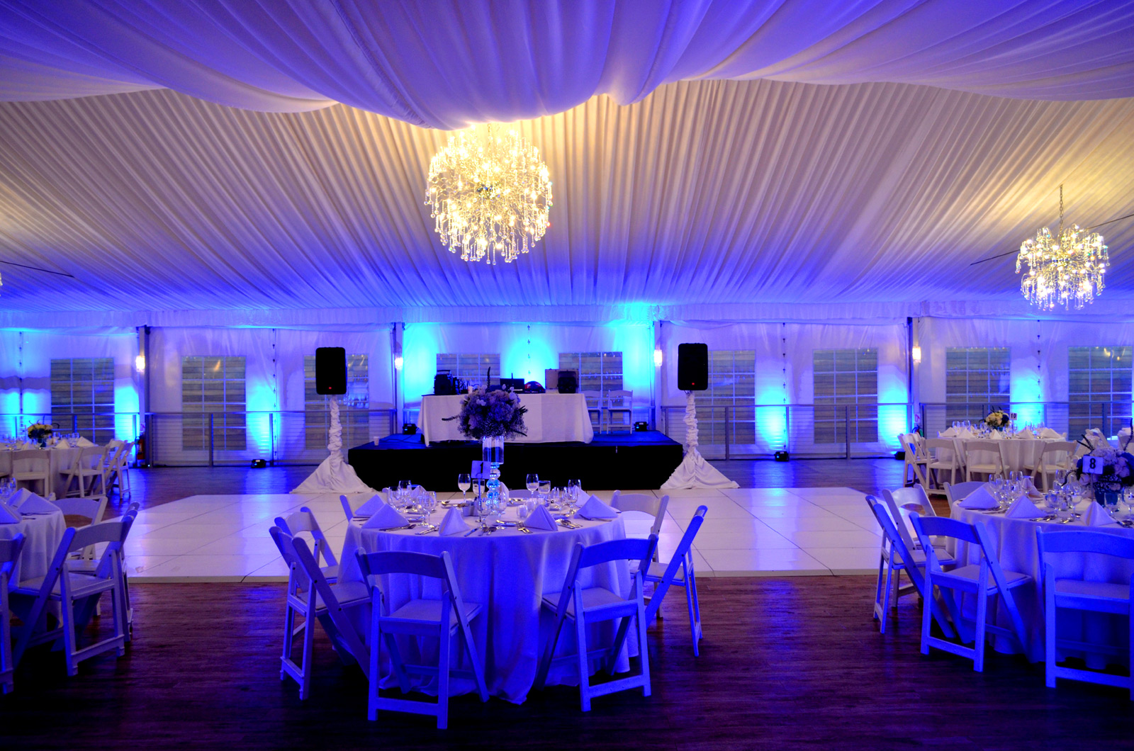 Galleria Marchetti blue uplighting by Endless Entertainment Chicago (1)
