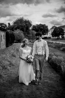 Fotoshooting mit Brautpaar im Schlosspark Brandenburg