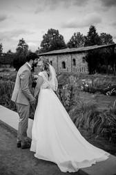 Hochzeitskuss im Schlosspark Brandenburg
