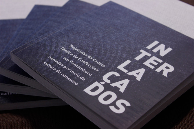 """Lançamento do livro """"Interlaçados"""" acontece nesta quinta-feira (12) no Marco da Moda."""
