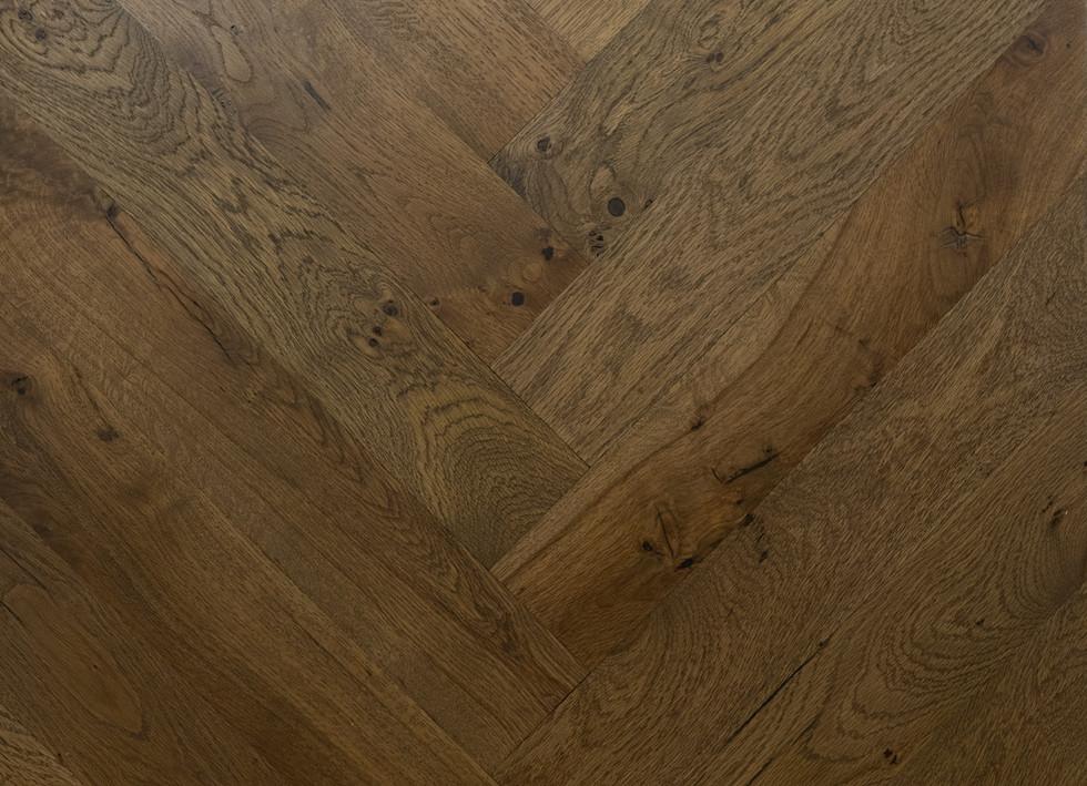 herringbone hardwood flooring pattern