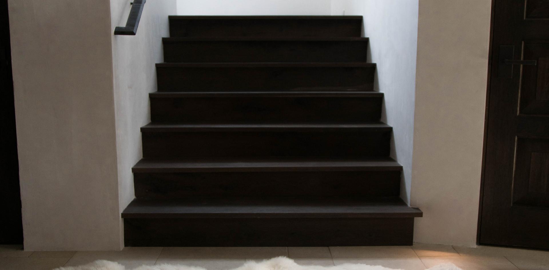 Texas Post Oak Hardwood Stairs