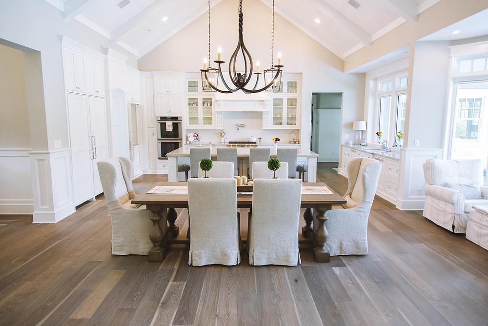 Hardwood-Design-Company-wide-plank-hardwood-flooring-wooden-flooring-random-live-sawn-oak-hardwood-flooring-oakflooring-farmhouse