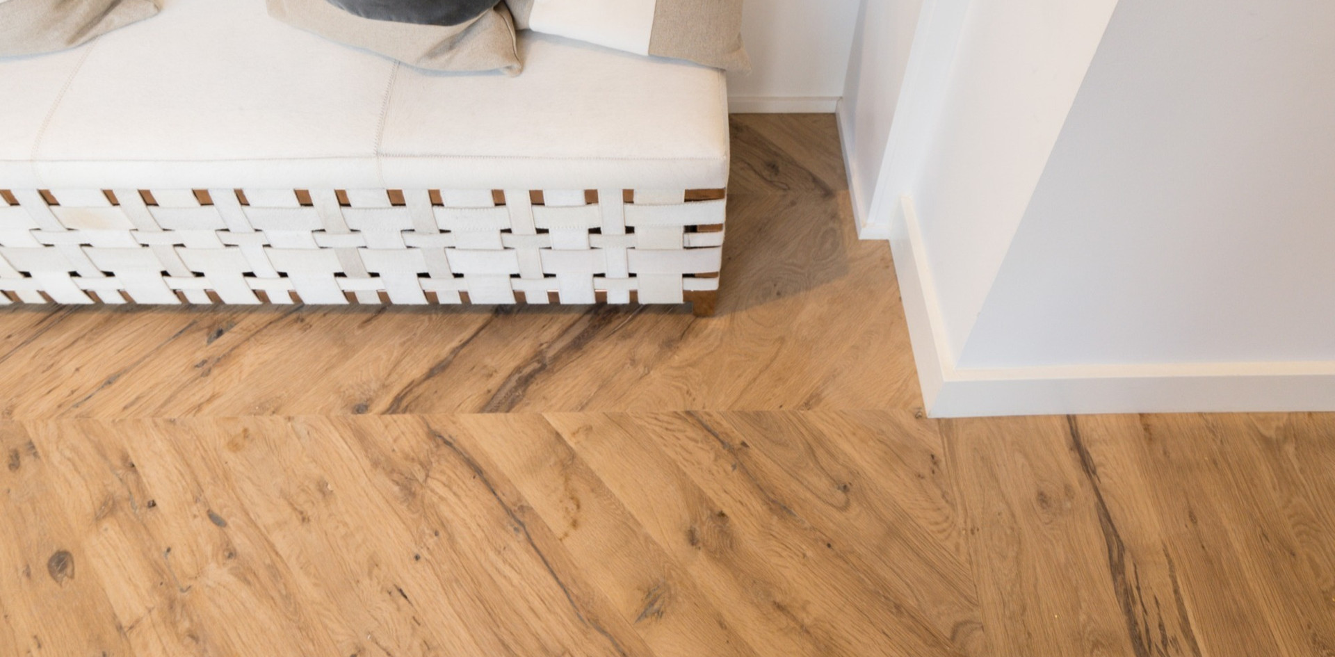 natural face post oak hardwood floors-ke