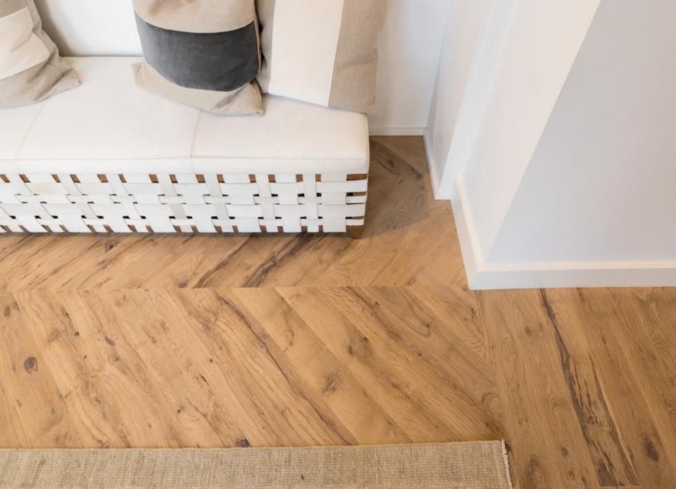 natural face post oak hardwood floors-ke