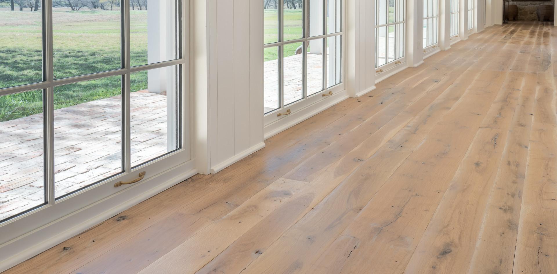 Natural Face Texas Post Oak Hardwood Flooring Farmhouse