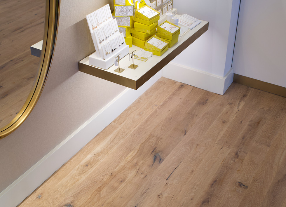 Natural Face Texas Post Oak Hardwood Flooring Kendra Scott Austin Showroom