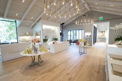 Hardwood-Design-Company-wide-plank-hardwood-flooring-wooden-flooring-natural-face-texas-post-oak-hardwood-flooring-herringbone-wood-floors-kendra-scott