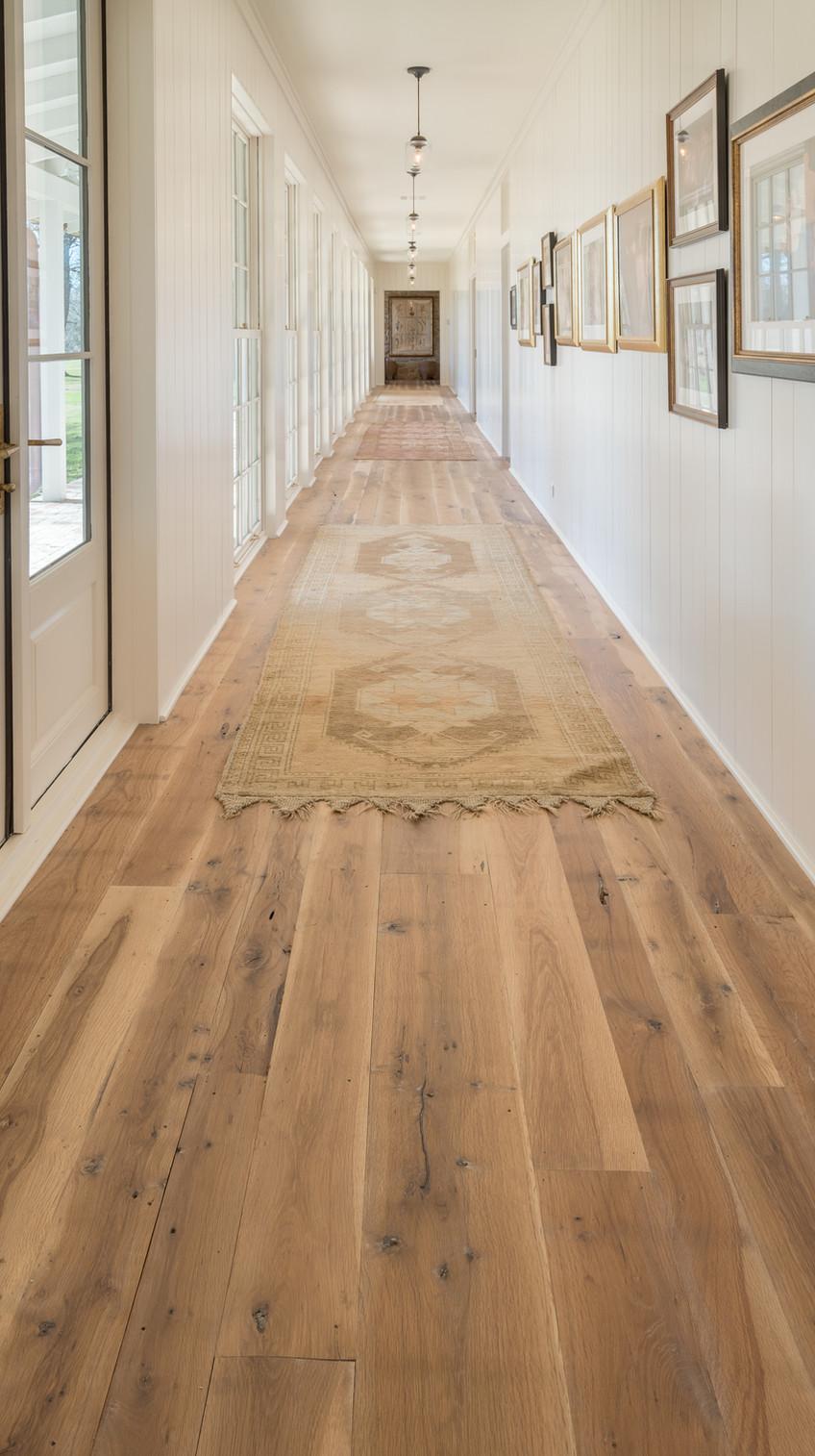 hardwood-design-company-2019-hardwood-flooring-trends-wide-plank-hardwood-flooring-texas-post-oak-hardwood-flooring-oil-finish-hardwood-floors