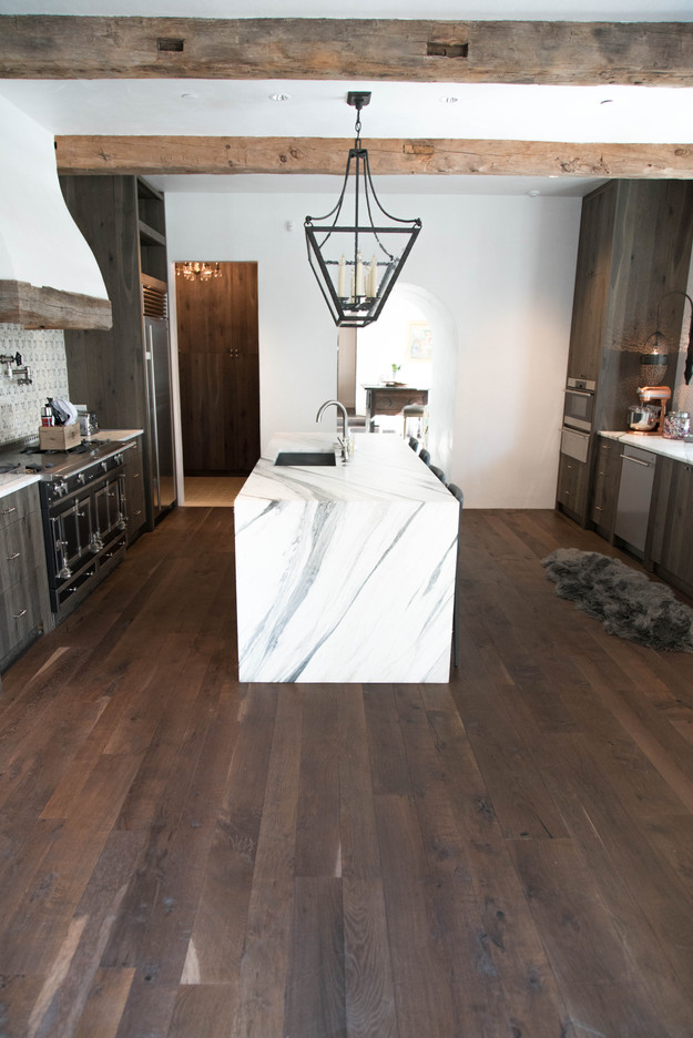 Hardwood-Design-Company-wide-plank-hardwood-flooring-wooden-flooring-texas-post-oak-hardwood-flooring-oakflooring-reclaimed-beams