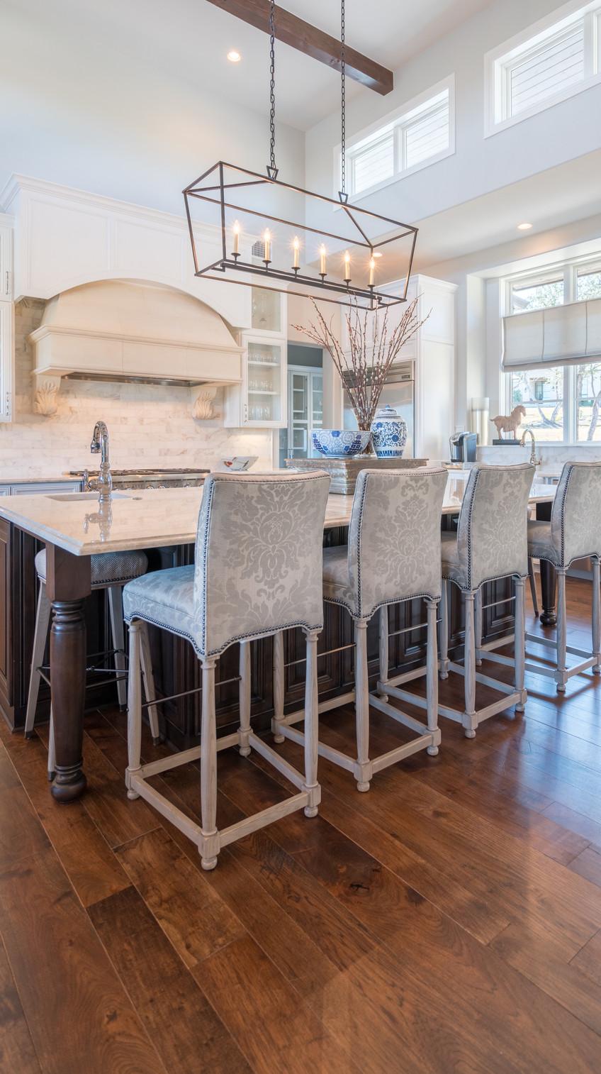 hardwood-design-company-2019-hardwood-flooring-trends-wide-plank-hardwood-flooring-southern-pecan-hardwood-flooring-satin-finish-hardwood-floors
