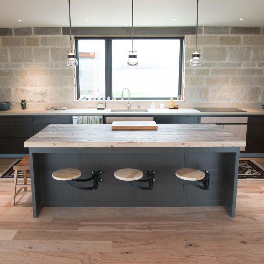 hardwood-design-company-2019-hardwood-flooring-trends-wide-plank-hardwood-flooring-southern-pecan-hardwood-flooring-natural-hardwood-floors