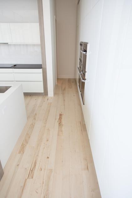 Hardwood-Design-Company-wide-plank-hardwood-flooring-wooden-flooring-random-width-flooring-random-length-flooring-bleached-southern-pecan-hardwood-floors-wood-stairs