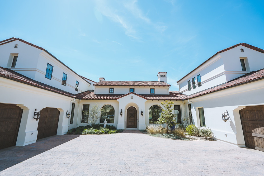 southwest style home exterior view