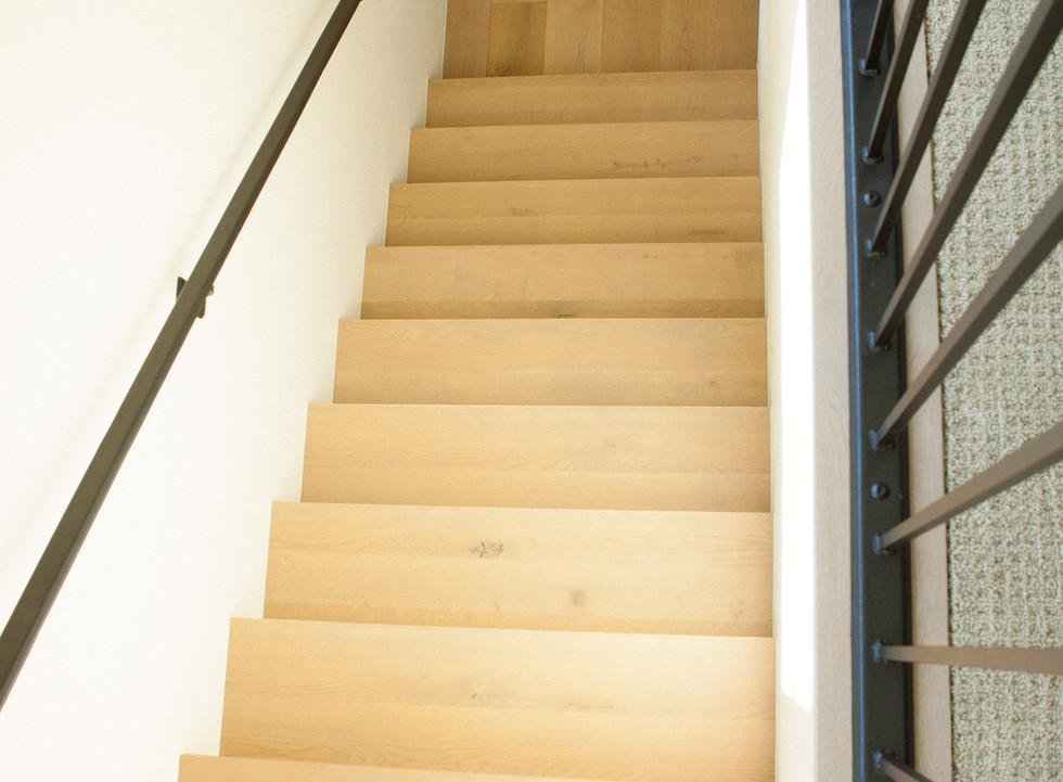 Live Sawn Oak Hardwood Flooring Stairs