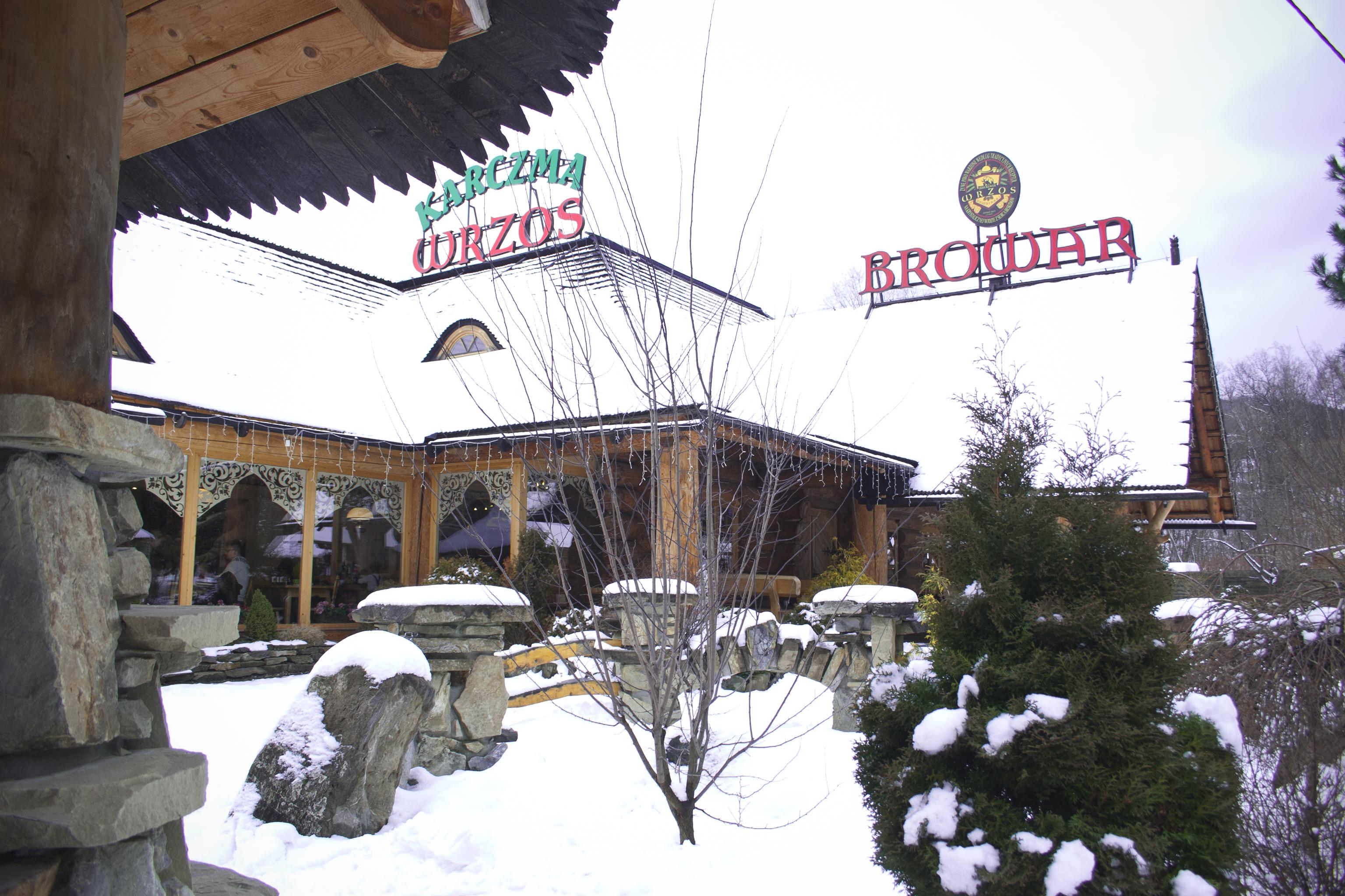 Budynek_zima_dzień