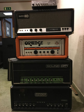 Assorted amps