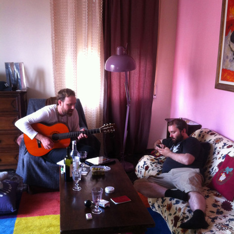 Italy 2014 - playing Lars to sleep