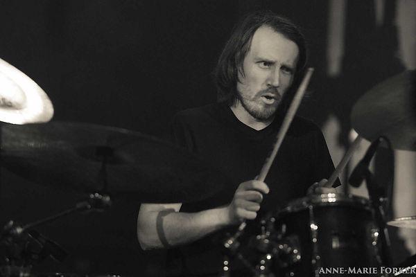 Martin Kneppen drums