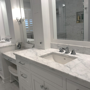 White Carrara Honed (Marble)