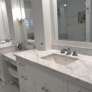 White Carrara Honed (Marble)
