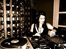 Bouchon DJ Bluesabelle International Guest Jazz Lounge Vinyl DJ