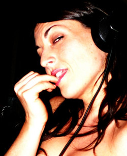 DJ Lady Bluesabelle Female International Vinyl DJ