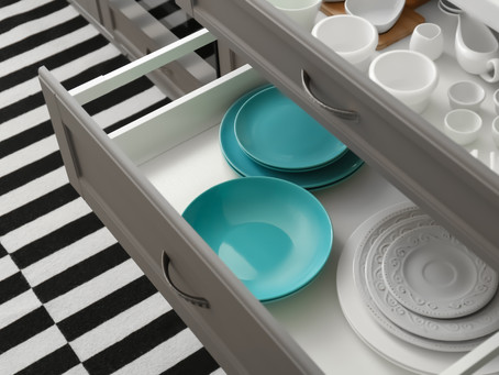 10 STEPS TO DECLUTTER YOUR KITCHEN