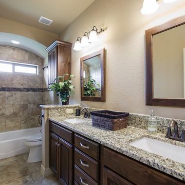 Guest Full Bathroom