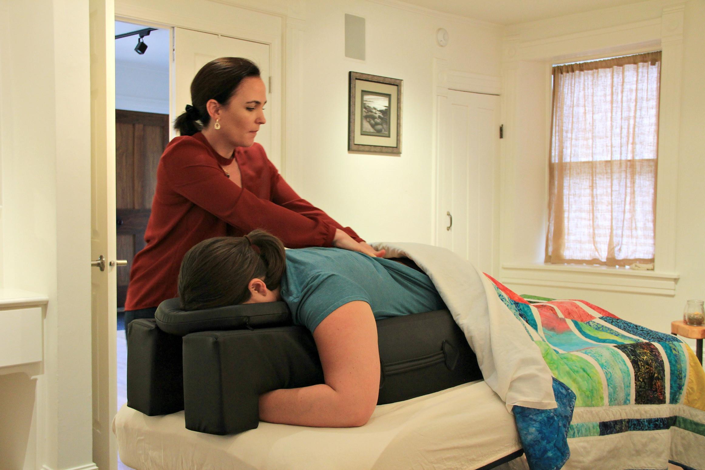 Prenatal Massage (1 hour)