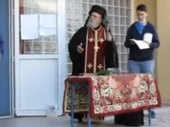 Kissing the Cross: Clergyman slams school director urging students to keep masks on